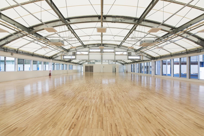 スポル施設内唯一の屋内ユーティリティスペース、伊達公子プロデュースの多目的スタジオです